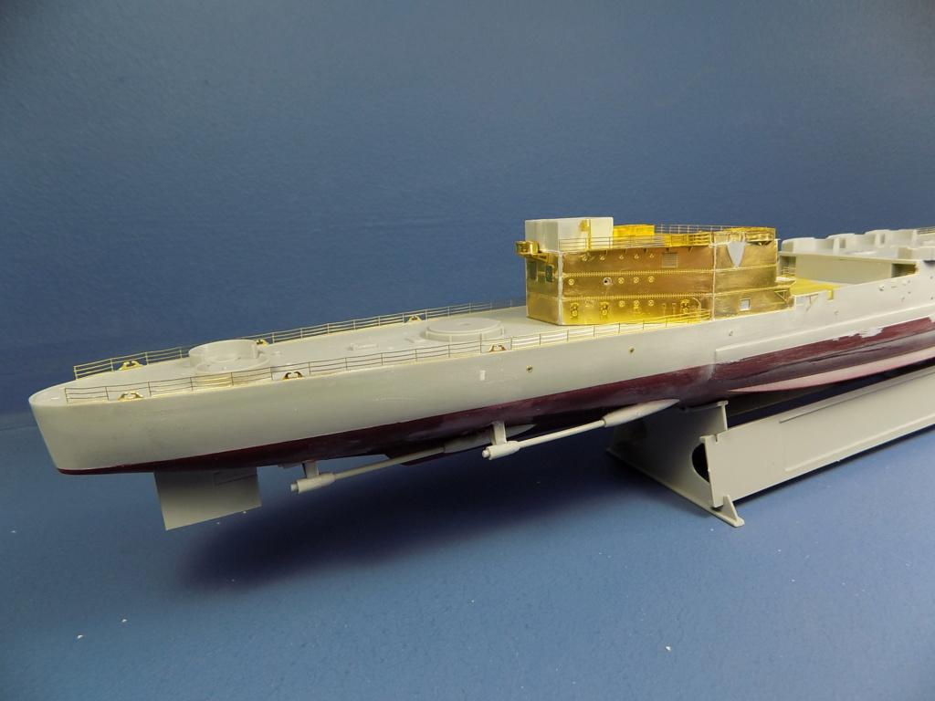 USS San Francisco 1942 au 1/350ème de Trumpeter + Set PE Flyhawk  - Page 3 Dscn2037