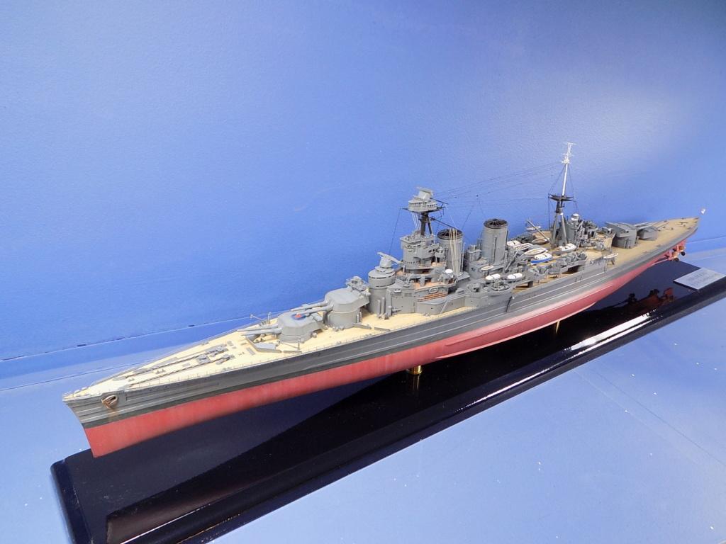 HMS Hood 1941 trumpeter au 1/350ème + set de détaillage Flyhawk Dscn2184