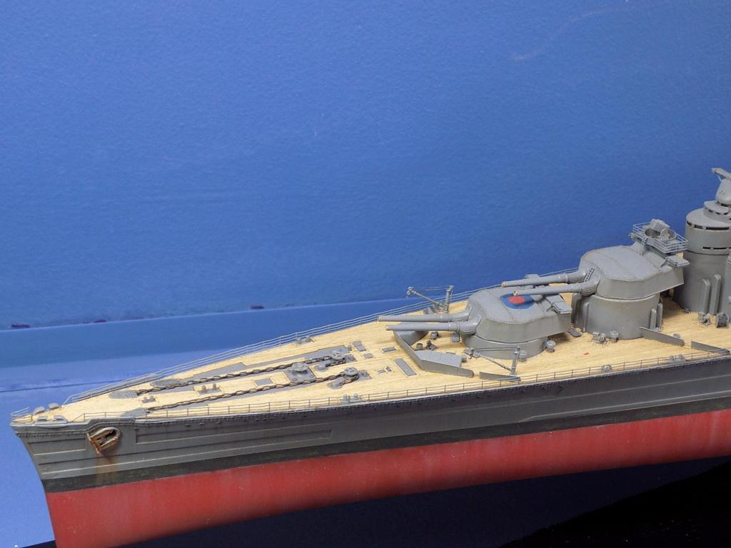 HMS Hood 1941 trumpeter au 1/350ème + set de détaillage Flyhawk Dscn2188