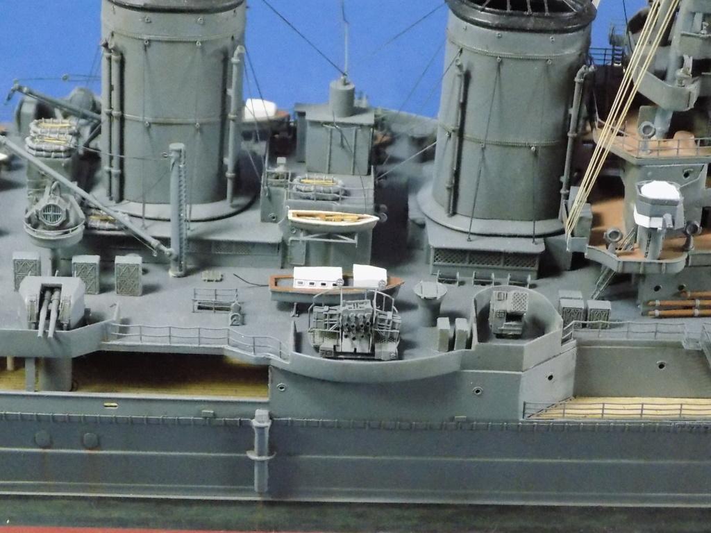 HMS Hood 1941 trumpeter au 1/350ème + set de détaillage Flyhawk Dscn2210