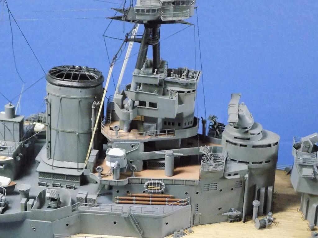 HMS Hood 1941 trumpeter au 1/350ème + set de détaillage Flyhawk Dscn2212