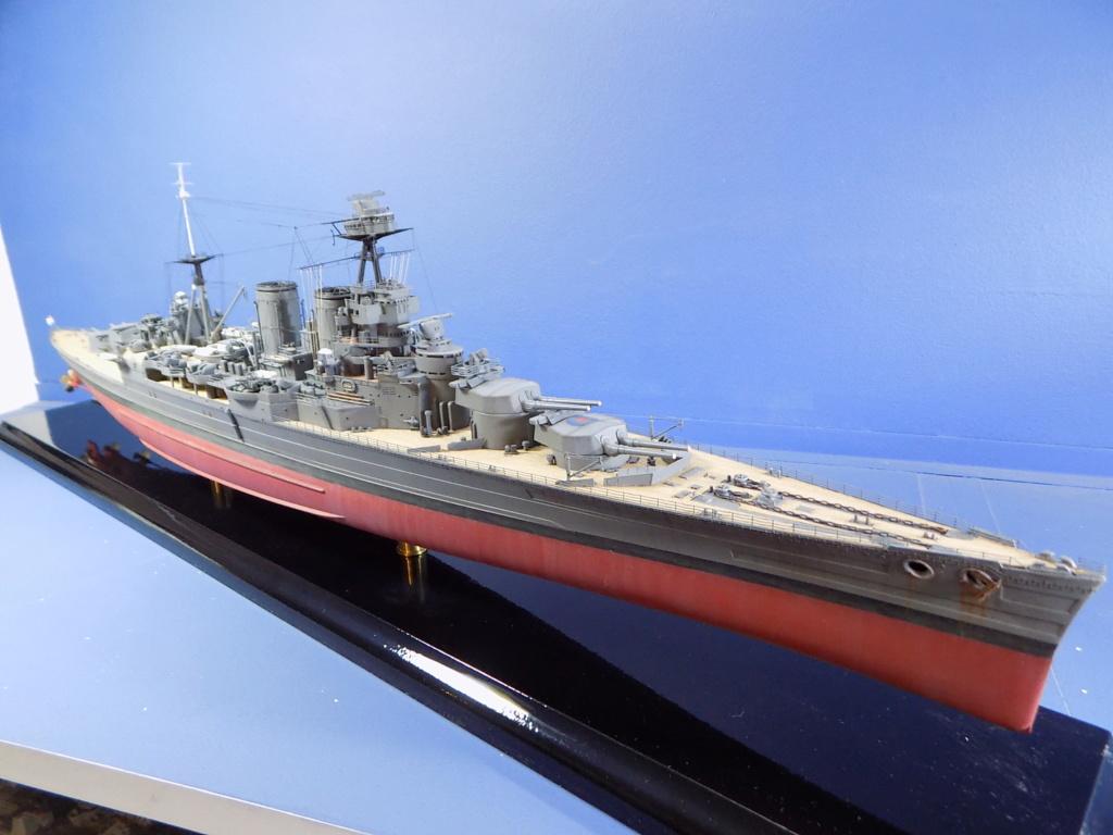 HMS Hood 1941 trumpeter au 1/350ème + set de détaillage Flyhawk Dscn2217