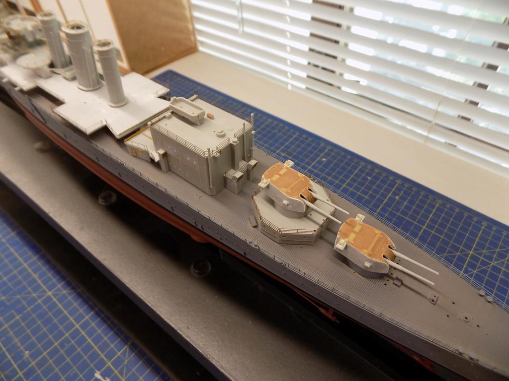 HMS Cornwall 1/350 Trumpeter + set PE Eduard - Page 2 Dscn2363