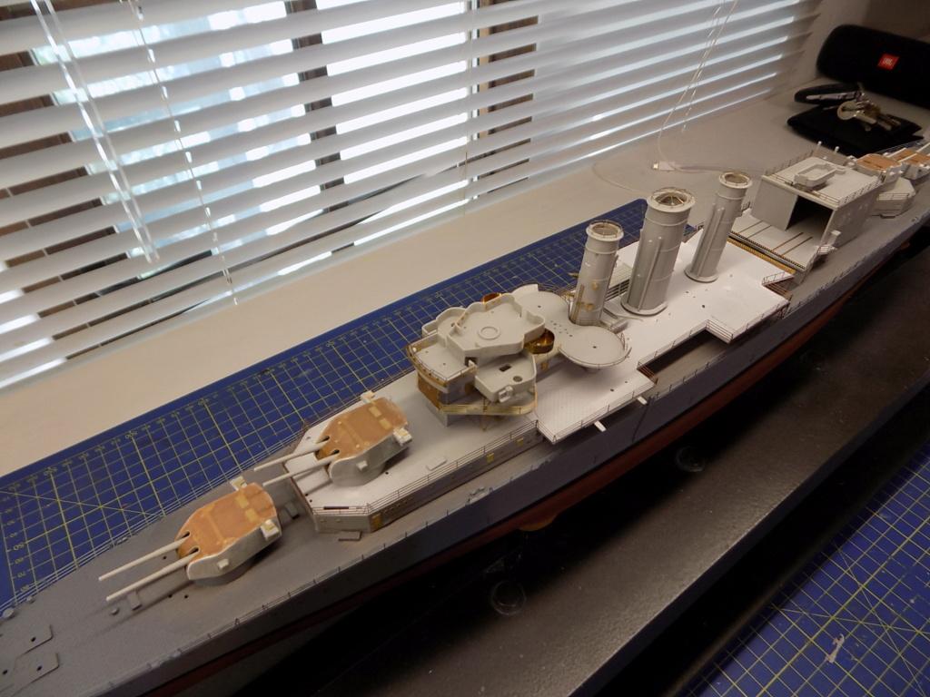 HMS Cornwall 1/350 Trumpeter + set PE Eduard - Page 2 Dscn2364