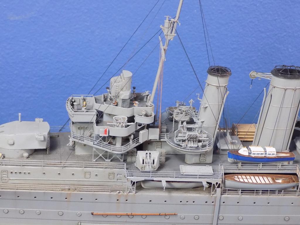 hms cornwall?tid=7961bd82692d7af48d3736abc49ecb2b - HMS Cornwall 1942 Trumpeter 1/350ème Dscn2425