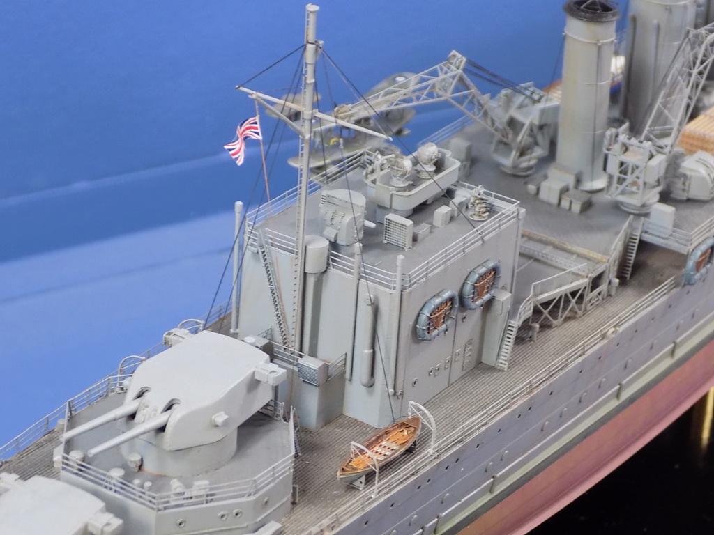 hms cornwall?tid=7961bd82692d7af48d3736abc49ecb2b - HMS Cornwall 1942 Trumpeter 1/350ème Dscn2429