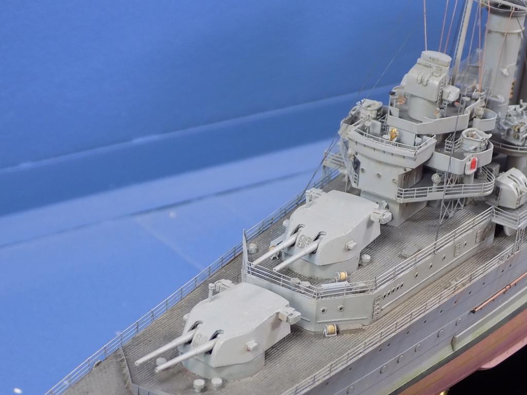hms cornwall?tid=7961bd82692d7af48d3736abc49ecb2b - HMS Cornwall 1942 Trumpeter 1/350ème Dscn2430