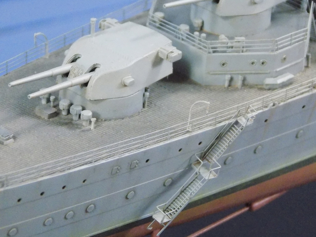 HMS Cornwall 1942 Trumpeter 1/350ème Dscn2433