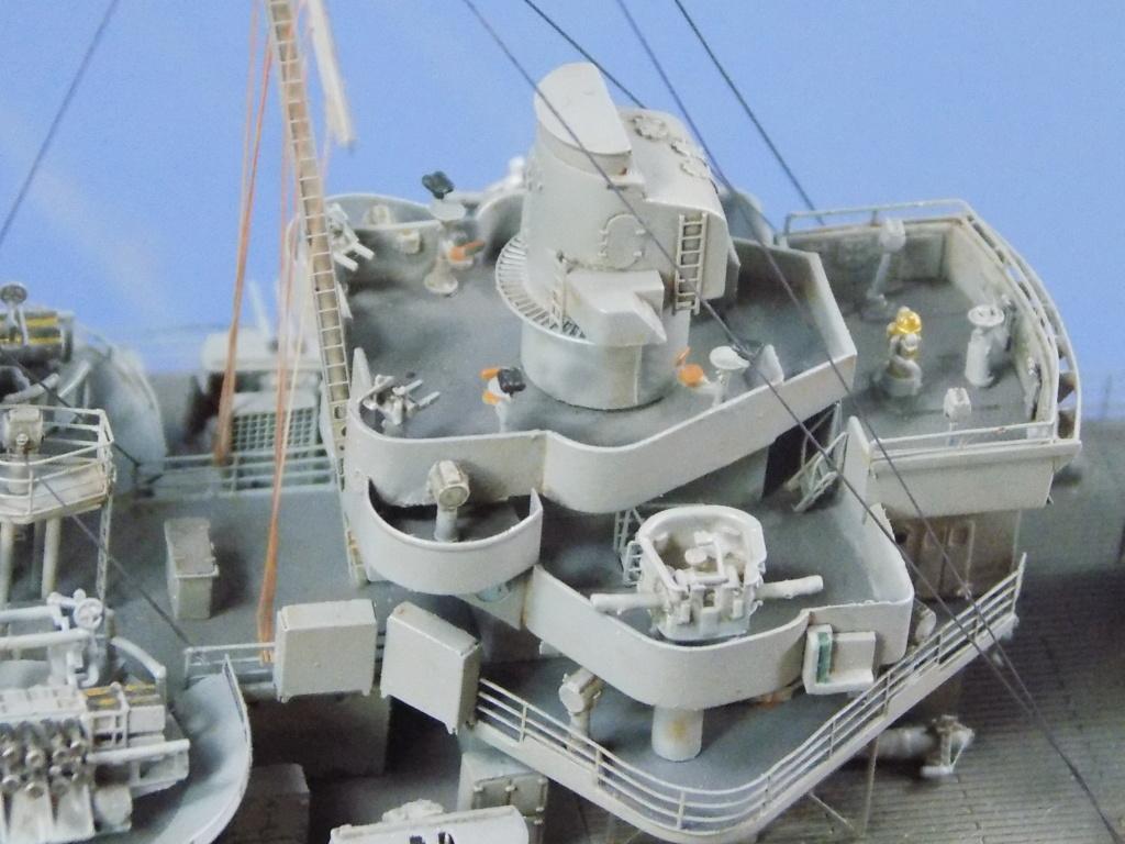 hms cornwall?tid=7961bd82692d7af48d3736abc49ecb2b - HMS Cornwall 1942 Trumpeter 1/350ème Dscn2435