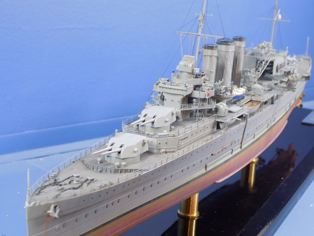 HMS Cornwall 1942 Trumpeter 1/350ème Dscn2437