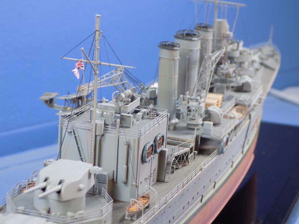 hms cornwall?tid=7961bd82692d7af48d3736abc49ecb2b - HMS Cornwall 1942 Trumpeter 1/350ème Dscn2442