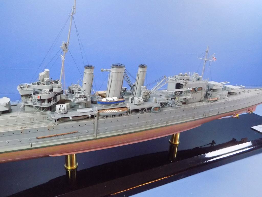 hms cornwall?tid=7961bd82692d7af48d3736abc49ecb2b - HMS Cornwall 1942 Trumpeter 1/350ème Dscn2452