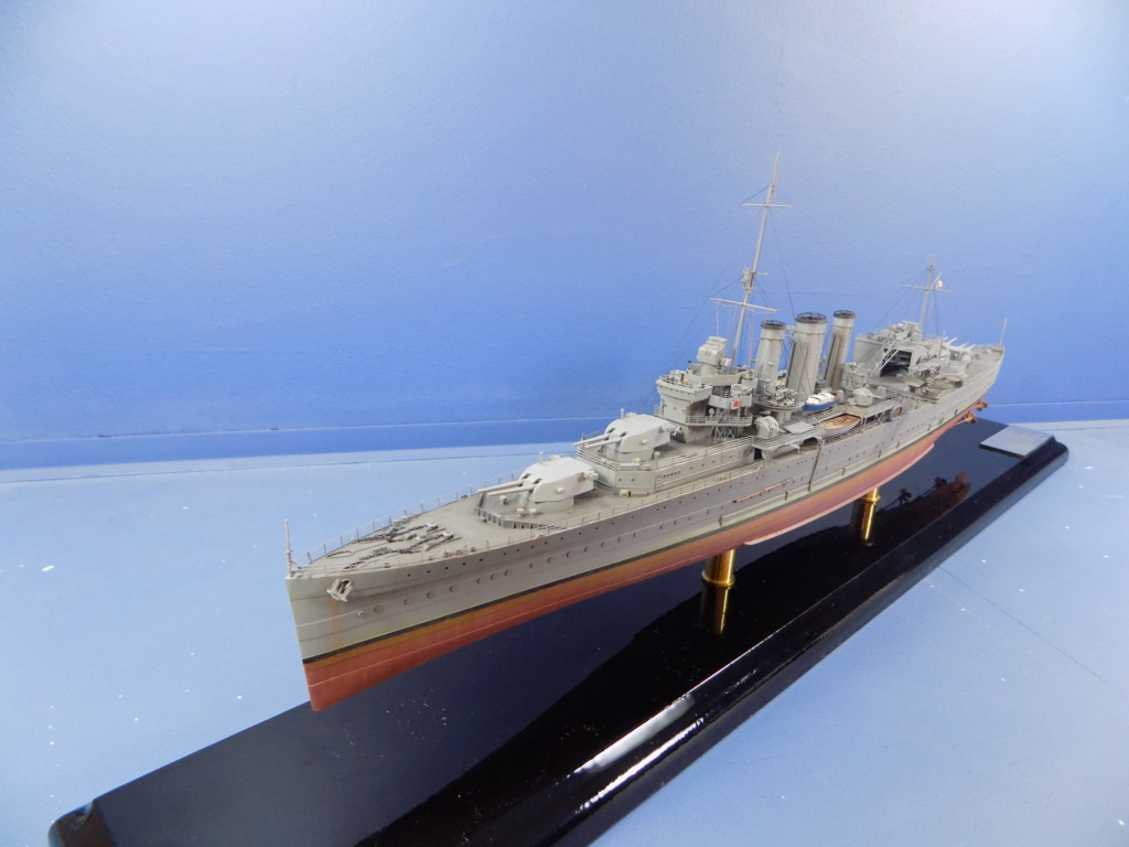 hms cornwall?tid=7961bd82692d7af48d3736abc49ecb2b - HMS Cornwall 1942 Trumpeter 1/350ème Dscn2461