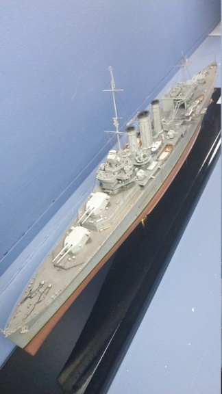 HMS Cornwall 1942 Trumpeter 1/350ème Img_2027