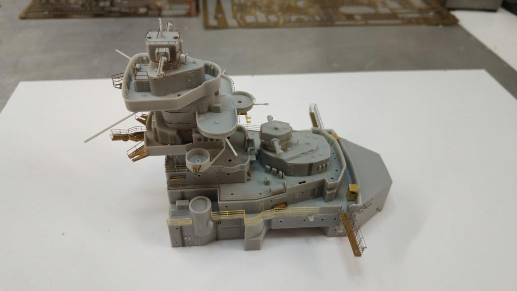 DKM Bismarck 1/350 Trumpeter + PE Eduard - Page 5 Img_2104