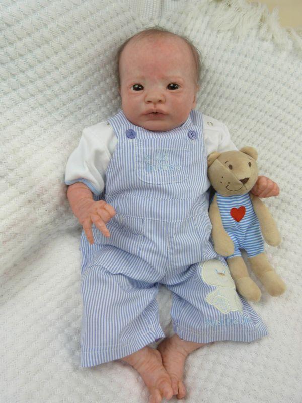 Realborn Presley awake ADOPTIERT P1040823