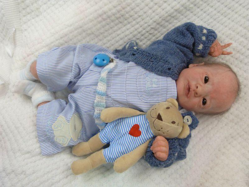 Realborn Presley awake ADOPTIERT P1040824