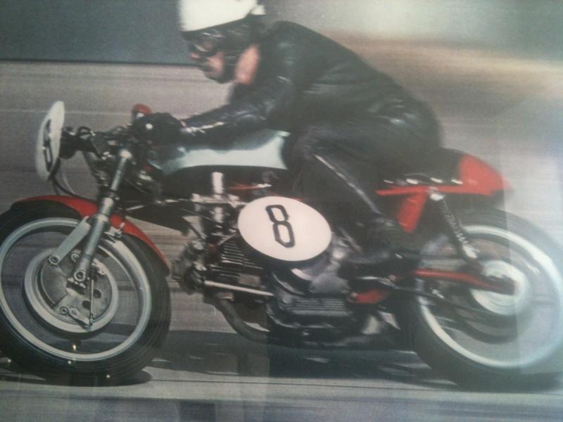Qelle est cette Ducati?? une 750 ss? Image11