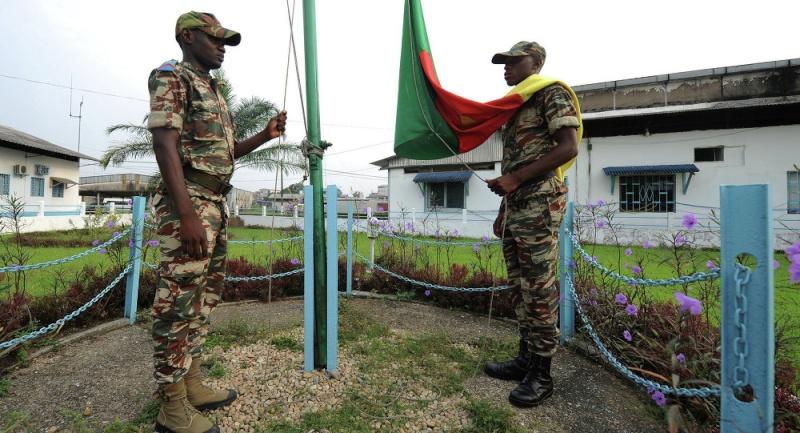 Forces Armées Camerounaises - Page 3 10142