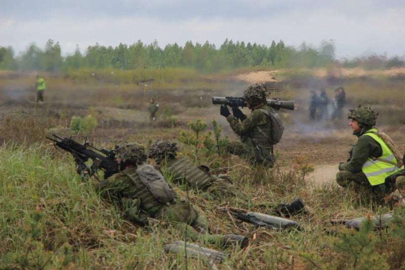 Armée lituanienne/Lithuanian Armed Forces - Page 3 10172