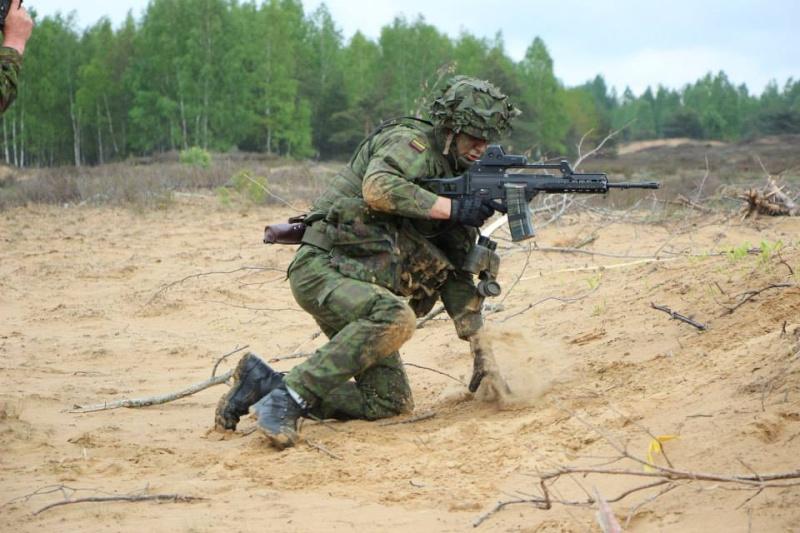 Armée lituanienne/Lithuanian Armed Forces - Page 3 1388