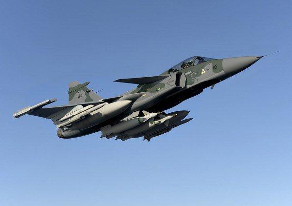 Saab: présentation du futur Gripen - Page 3 6162