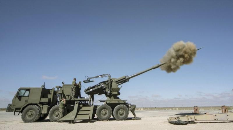 systèmes d'artilleries autotractés et autopropulsés - Page 3 6169