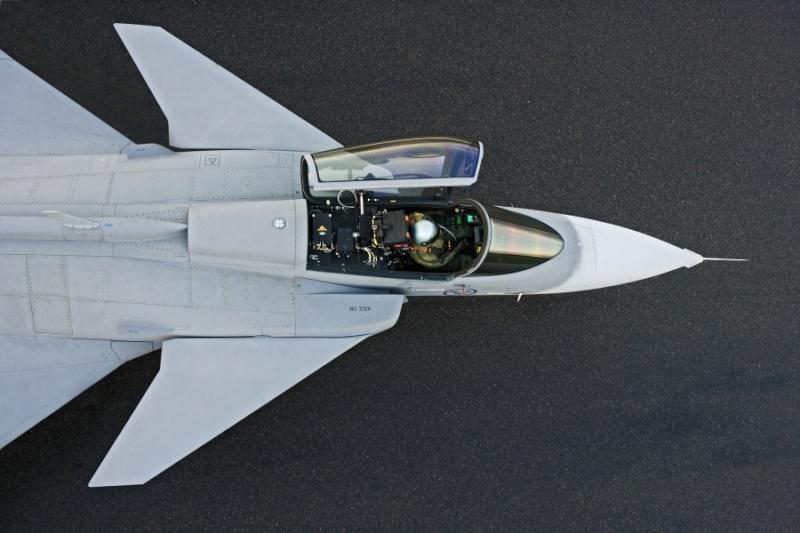 Saab: présentation du futur Gripen - Page 3 7126