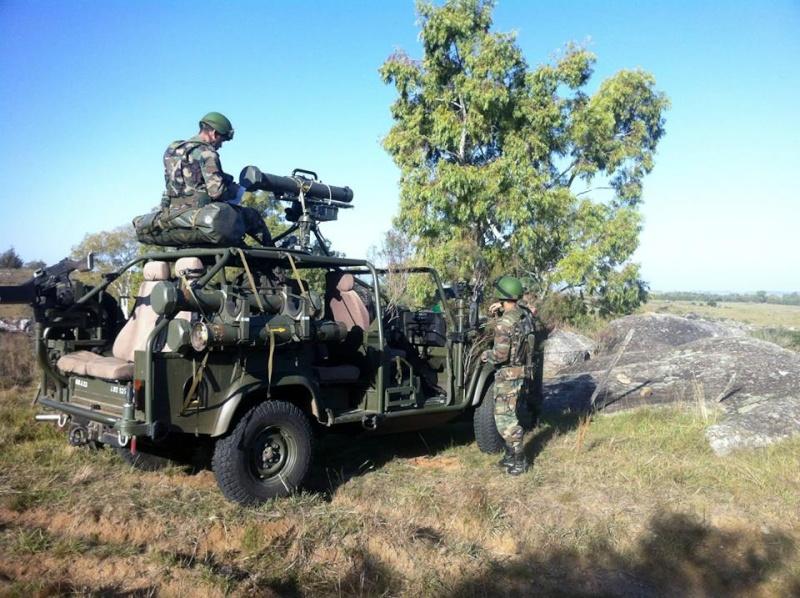 Armée uruguayenne - Page 2 8114