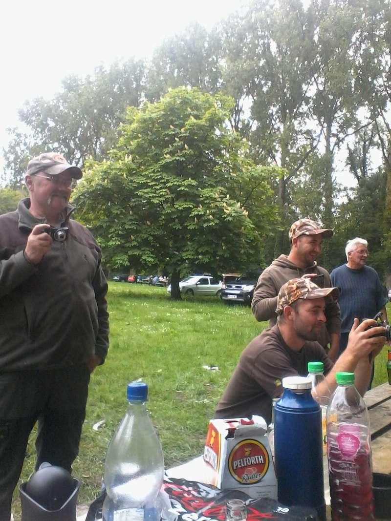 photos, ambiance journée de pêche 2015 - Page 2 12210