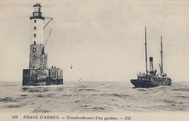 les phares en mer et à terre (1) - Page 18 Armen_10