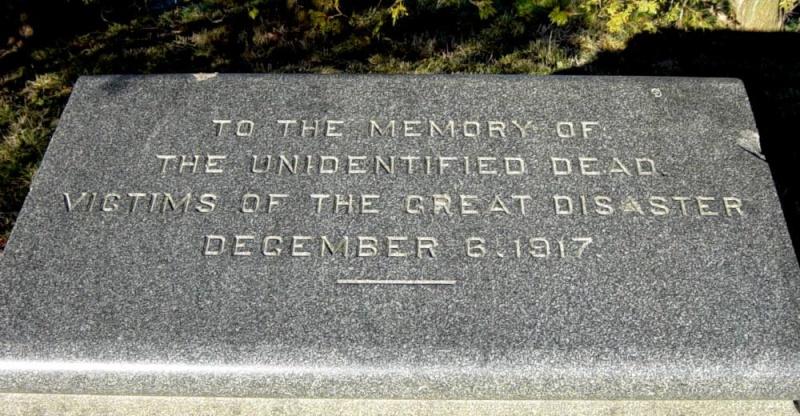 Tragédie à Halifax en 1917 Explos10