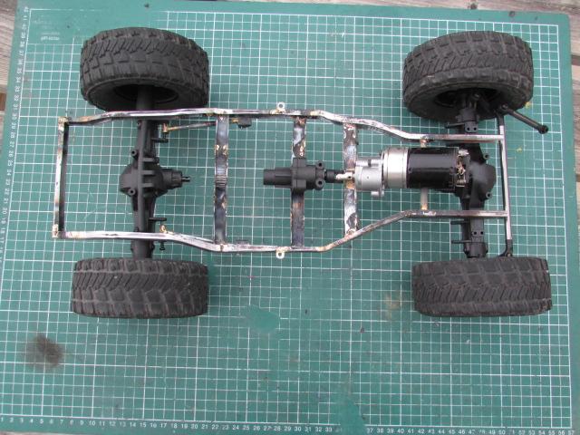 nouveau projet , une mechante jeep smittybilt - Page 2 Img_0142