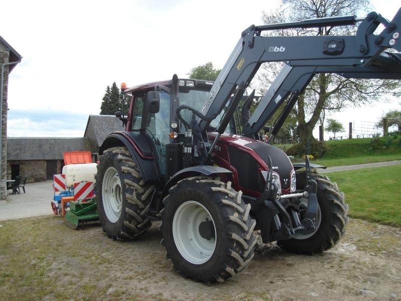 Photos de vos tracteurs - Page 6 Valtra12