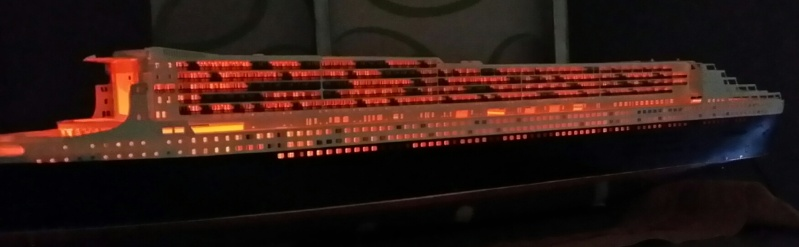 RMS Queen Mary 2 [Revell+éclairage Fibre+LED 1/400°] de erfrance60 - Page 4 2015-031