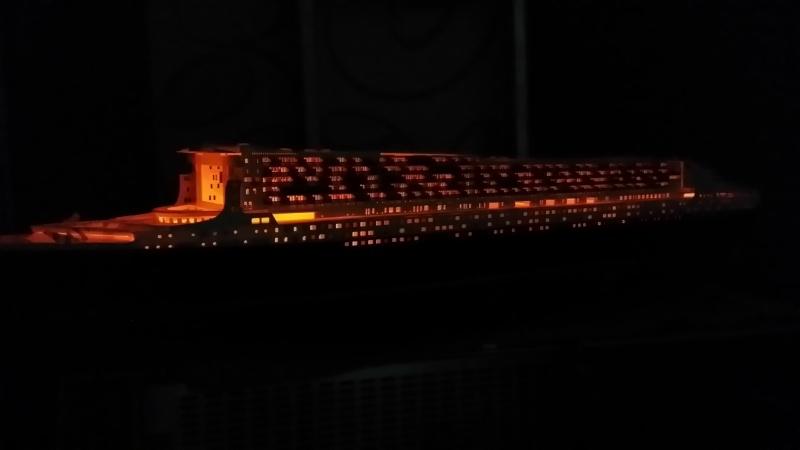 RMS Queen Mary 2 [Revell+éclairage Fibre+LED 1/400°] de erfrance60 - Page 4 2015-033