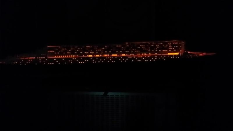 RMS Queen Mary 2 [Revell+éclairage Fibre+LED 1/400°] de erfrance60 - Page 4 2015-036