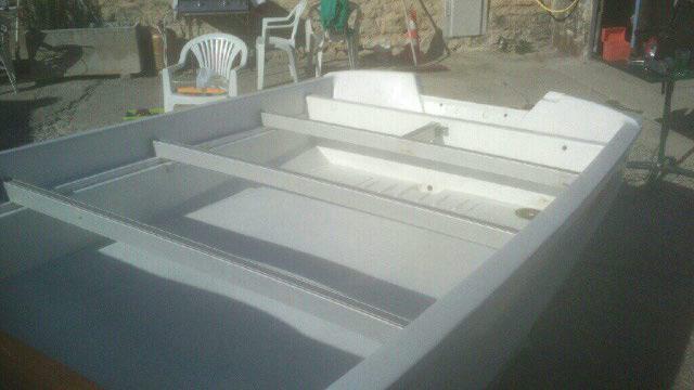 amménagement de mon boston whaler 13' en bass boat Boat_210