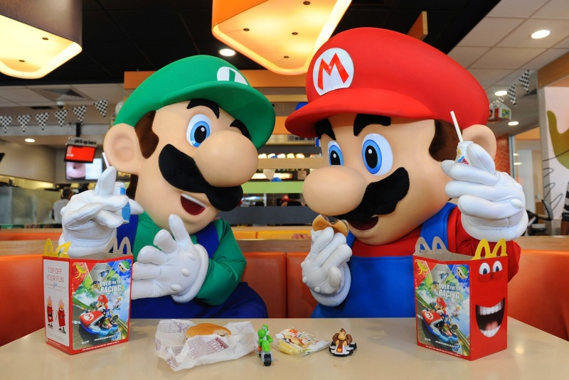 Des figurines Nintendo chez Mc Donalds !!!! - Page 4 Mario_11