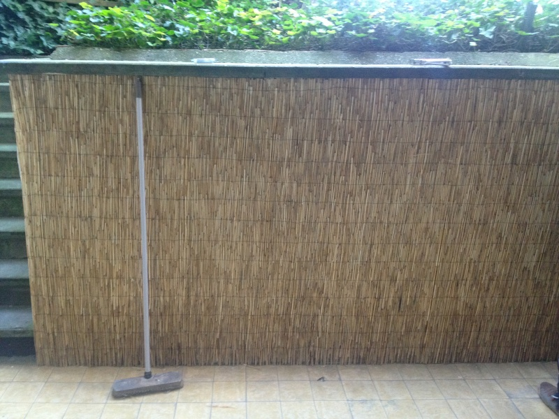 cacher un mur. Black Bedroom Furniture Sets. Home Design Ideas