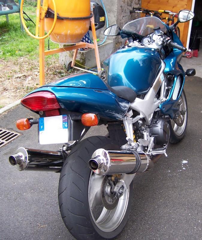 [VENDUE] Honda 1000 VTR Firestorm 2001 100_4616