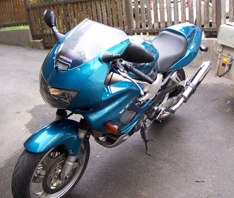 [VENDUE] Honda 1000 VTR Firestorm 2001 100_4619