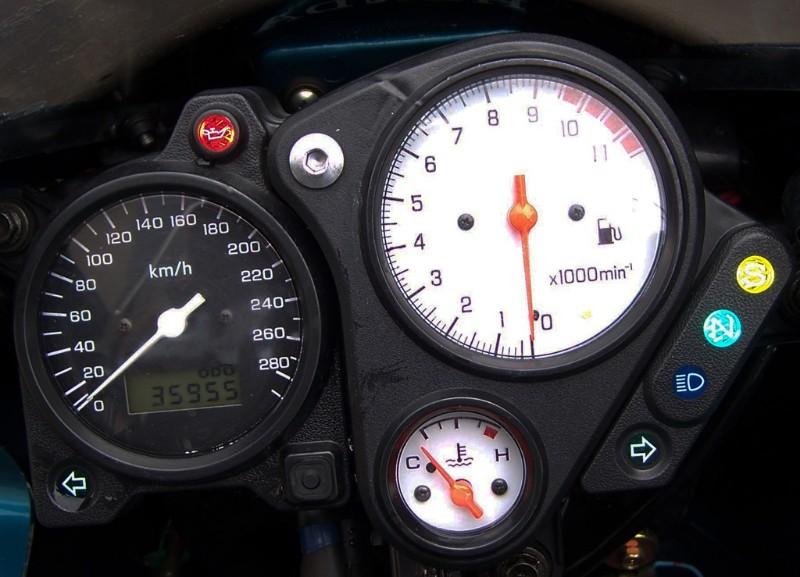 [VENDUE] Honda 1000 VTR Firestorm 2001 100_4621