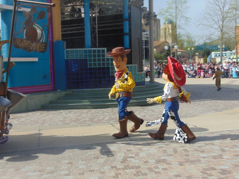 Vos photos avec les Personnages Disney - Page 39 Dsc00318