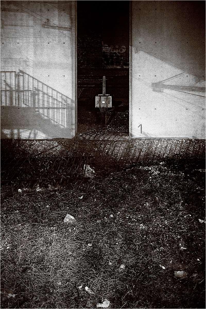 """ L'endroit ou il ne se passe jamais rien...."" _4250210"
