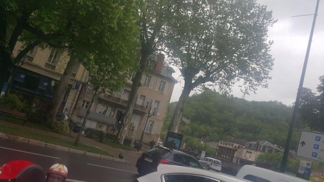 Petite rencontre dans Villefranche de Rouergue. 20150411