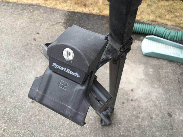 VENDU - Barres de toit Sportrack (Canadian tire) Img_0911