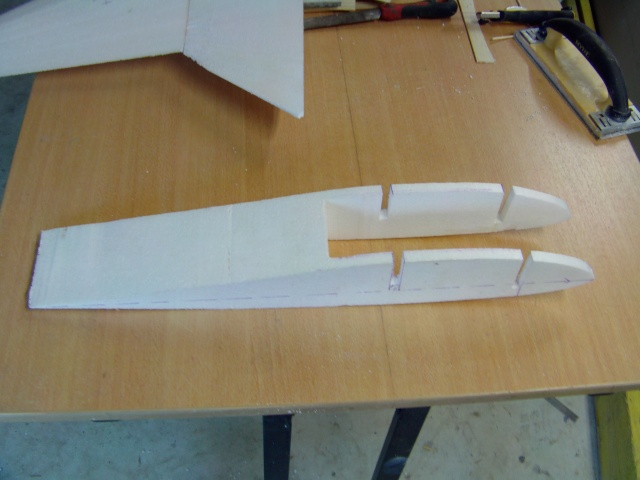 Construction de 2 Horten HO 229 avec des chutes de polystyrène Horten15