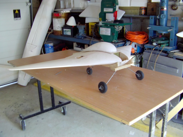 Construction de 2 Horten HO 229 avec des chutes de polystyrène Horten41