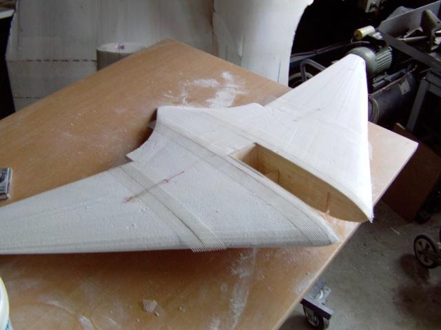 Construction de 2 Horten HO 229 avec des chutes de polystyrène Stuka_50